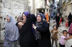 Women-in-Gaza-250